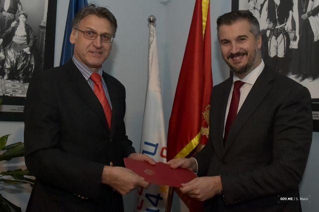Aleksandar Pejovic sa ambasadorom BiH 003