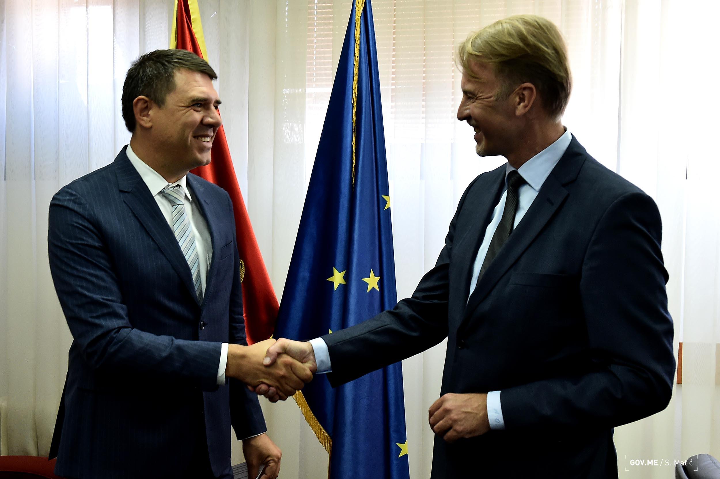 Glavni pregovarac Aleksandar Drljevic sef Delegacije EU u CG Aivo Orav 2